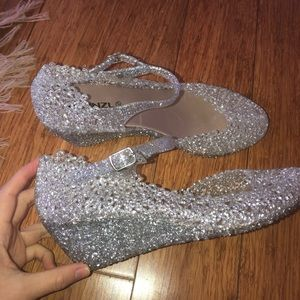 Shoes - 😍 Cinderella esque jelly sandals with ankle strap